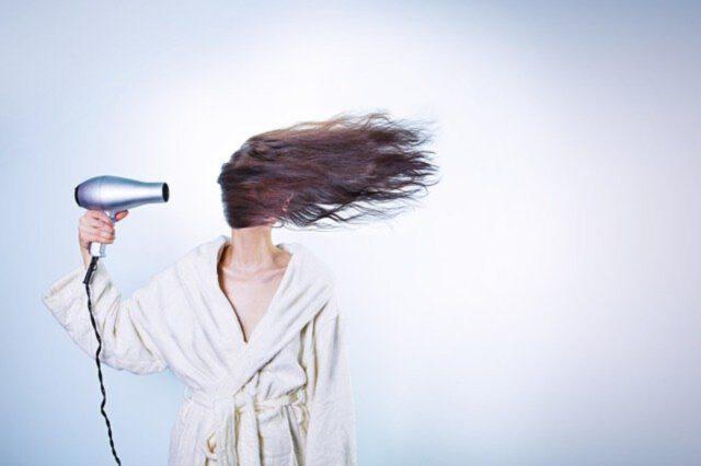 Włosy – dlaczego wypadają?