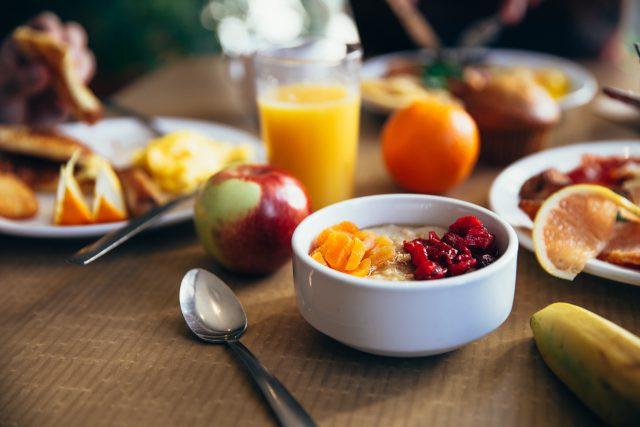 Pomysły na śniadanie bez pieczywa