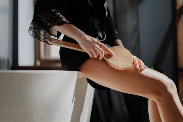 Jak się pozbyć cellulitu z ud?