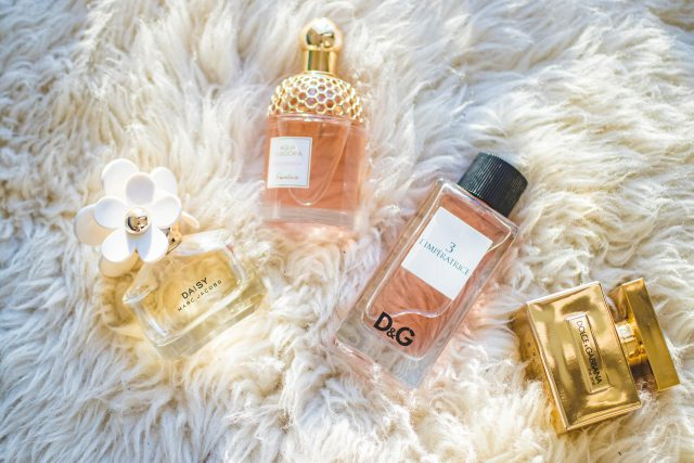 Najładniejsze perfumy kwiatowo-owocowe na lato